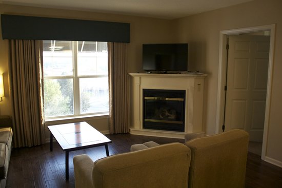 The Suites at Hershey: Living Room