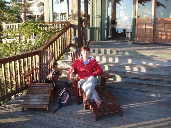 Middle Beach Lodge: relaxing at the main lodge