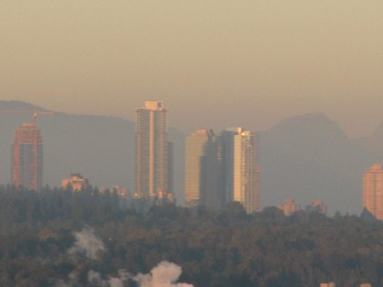 Sandman Signature Vancouver Airport Hotel & Resort: The city from the room--very dry year with fires & little rain