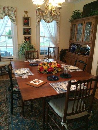 The Haynes White House Inn: Breakfast room