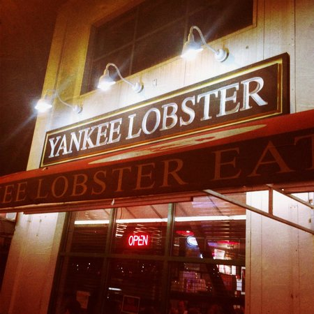 Bucket of crab picture of yankee lobster fish market for Fish restaurant boston