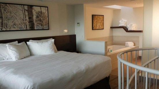 Genial Horseshoe Resort: Loft Suite (Room 330)