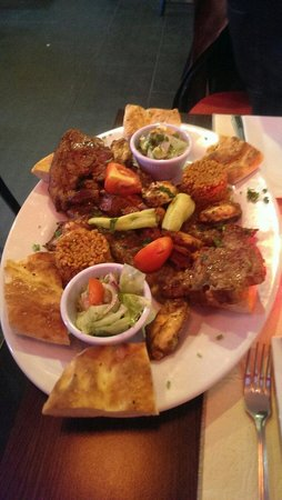 Meze Lounge: Mixed kebab for 2 main course