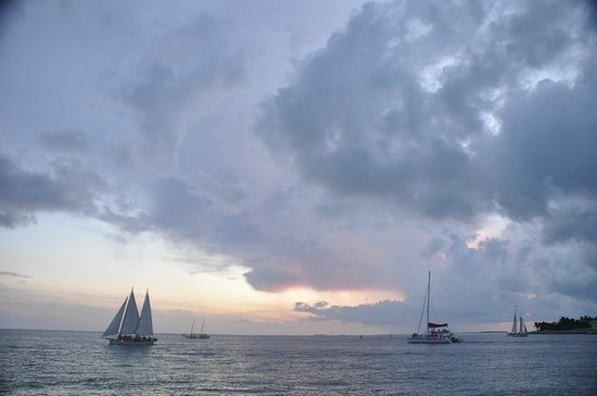Glass Bottom Boat Discovery Tour: sunset before storm
