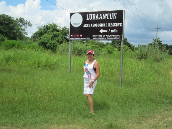 Lubaantun: I happened to enter thru the back side of the reservation...