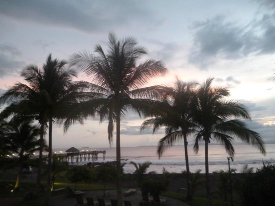 Doubletree Resort by Hilton, Central Pacific - Costa Rica: Puesta de sol.