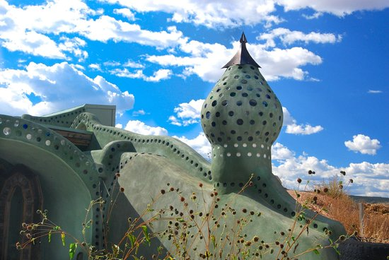 Earthship Biotecture: The Reception building