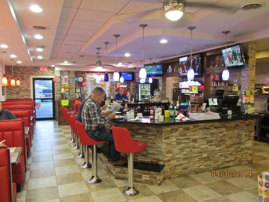 Rudy's Family Restaurant: Counter