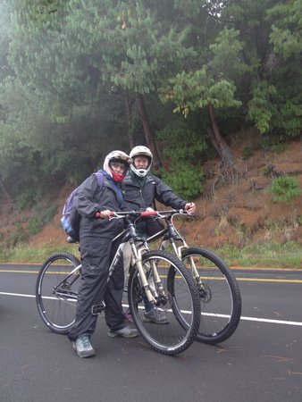 Maui Sunriders : Intrepid cyclists ready for the ride of their life.