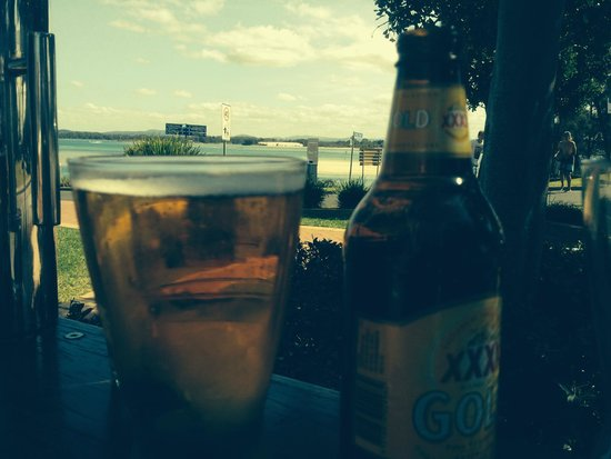Reef Bar Grill: First beer at the Reef