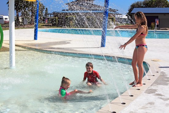 Kids Splash Pad and Pool - Picture of Holiday Haven