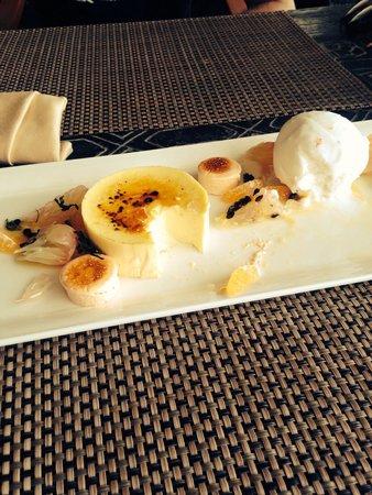 Sareeraya Villas & Suites: Delicious Creme caramel in the restaurant