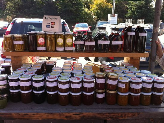 Tasty Tours : Honey stand
