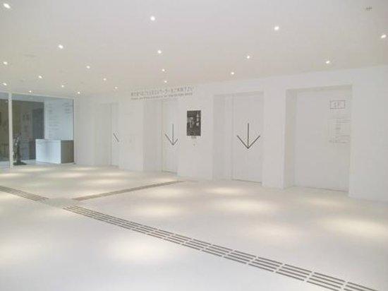 Aomori Museum of Art: エレベーターホール