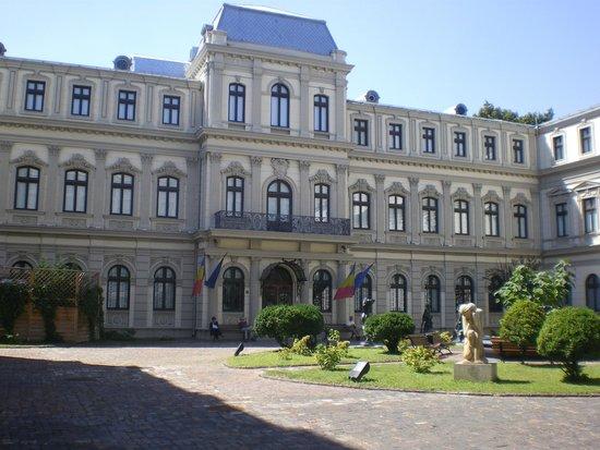 Romanit Palace - Foto de The Art Collections Museum ...