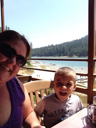 Ducey's on the Lake : Duceys Bar and Grill