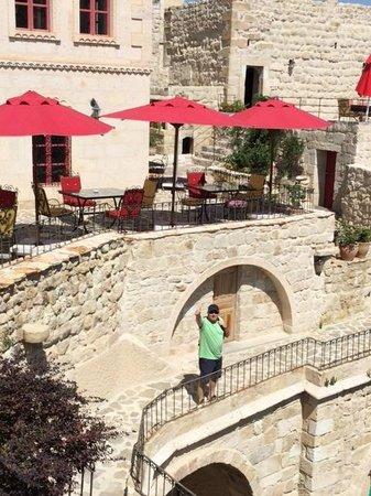 Hezen Cave Hotel : Cantinho gostoso para ver o castelo de Ortahisar