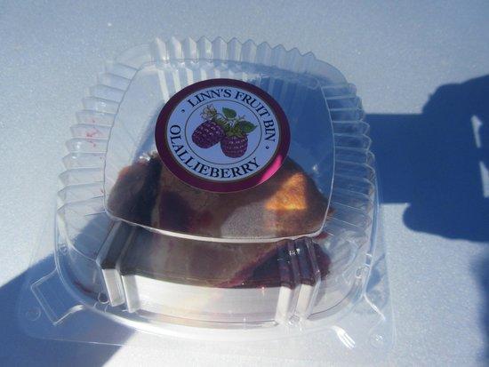 Linn's Easy As Pie Cafe : Ollalieberry Pie, Linn's, Cambria, Ca