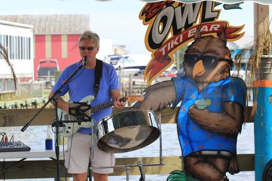 Big Owl's Tiki bar: Sunny Jim at the Big Owl