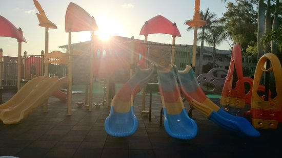 Oaks Oasis: Playground