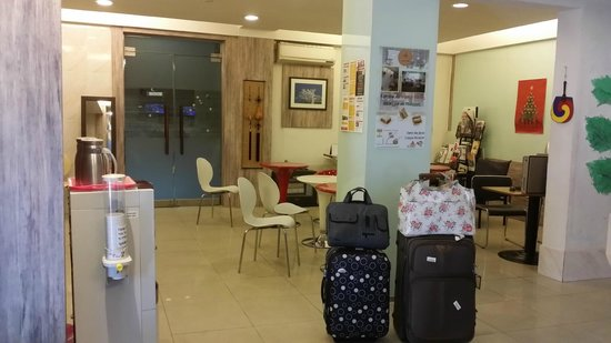 Travelers A: Lobby Area
