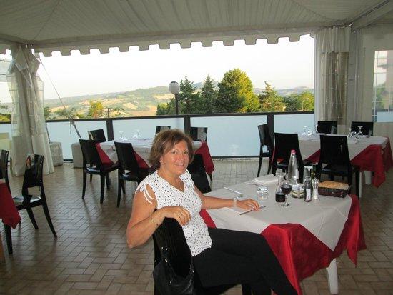 Ristorante Il Braciere: Outside covered sitting