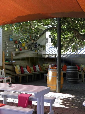East Head Cafe : Tavoli all'aperto