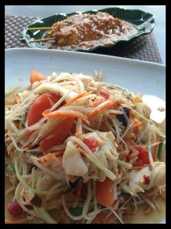 Blue Chili Thai Restaurant: ส้มตำ หมูสะเต็ะ