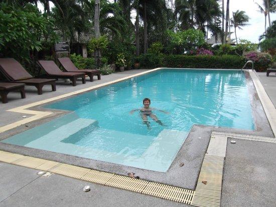 Koh Samui Resort: Huge pool was very warm