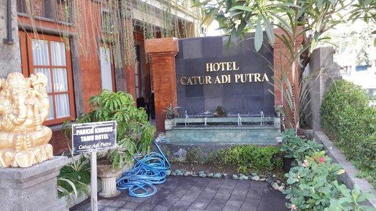 فندق كاتور آدي بوترا