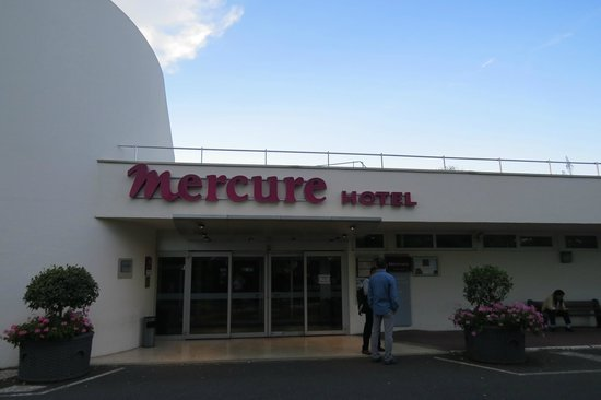 Mercure Paris Orly Aeroport : View from outside