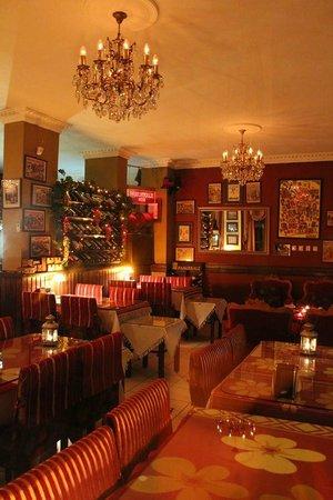 Circus Restaurant: Beautifully decorated dining area