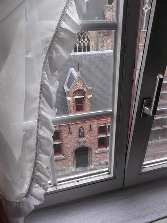 Hotel De Pauw: Vue de la fenêtre