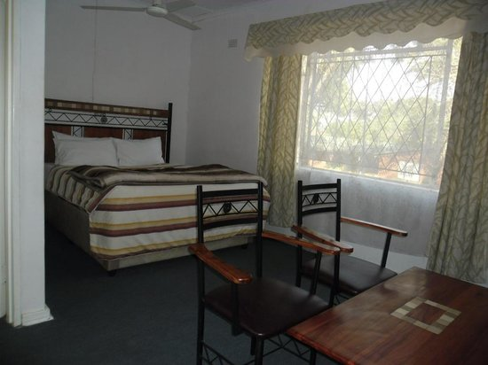 Chinhoyi Caves Motel