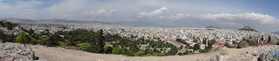 Athens Free Walking Tour : Vue d' Athénes à mi chemin de l' Acropole