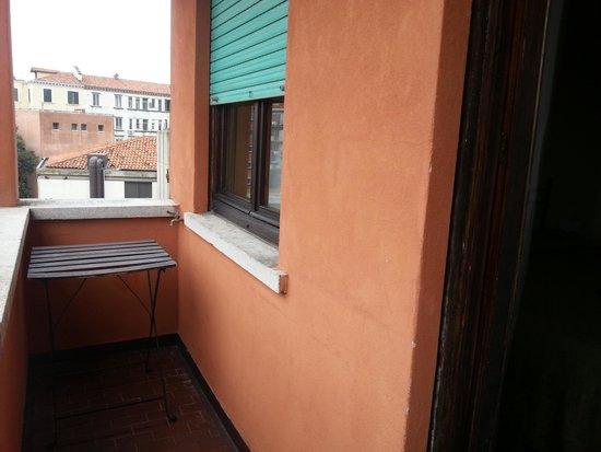 Hotel Agli Artisti : balcón