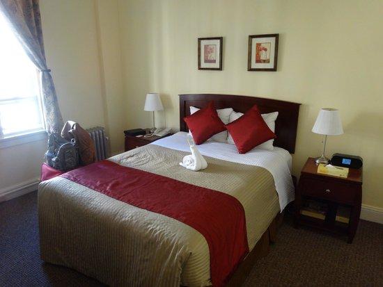Baldwin Hotel: Bett mit Handtuchfigur
