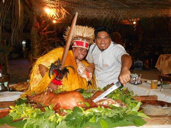 Tiki Village Cultural Centre: A table