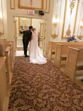 Paris Las Vegas Wedding Chapel A New Mr And Mrs