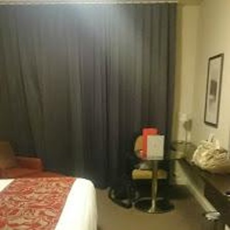 Rydges Campbelltown Sydney: Room out to balcony