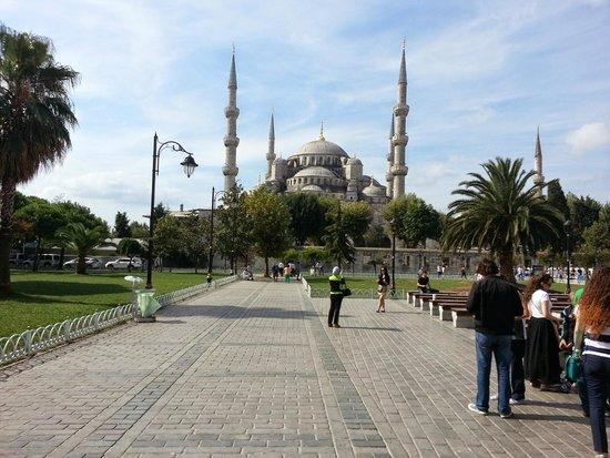 Hotel Sari Konak: The Blue Mosque