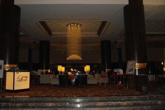Sedona Hotel Yangon, Myanmar : Hall del hotel