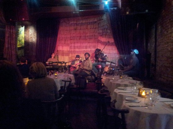 The Beehive : Monday night music while you eat