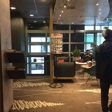 Ibis Budapest City : Холл отеля
