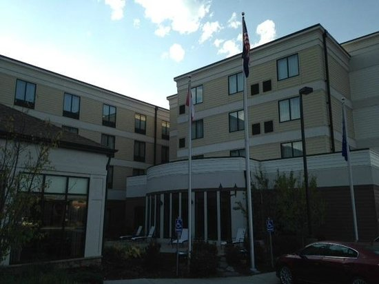 Hilton Garden Inn Kalispell: Exterior view of Hilton Garden Inn in Kalispell, MT