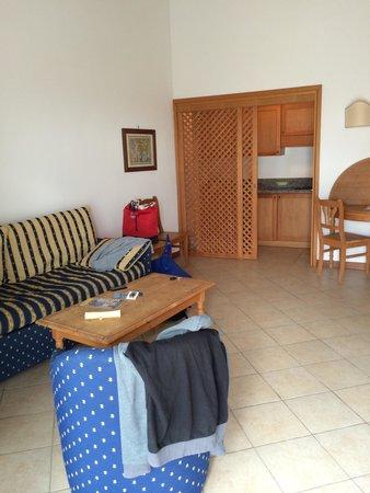 Soggiorno bilocale La Corte - Picture of Stintino Country Paradise ...