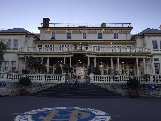 The Carrington Hotel: The entry to The Carrington