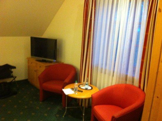 Landhotel Hoisl-Bräu: ausgerüstet mit einem TV