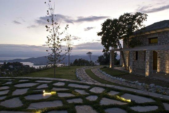 Mikros Vorias small luxury suites : THE VIEW