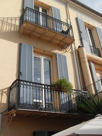 Hotel Olivier: Chambre vue du jardin